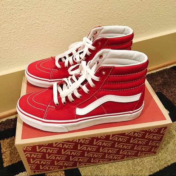 d5c3a515791 Vans Red Canvas Sk8-Hi Red Shoes. M 5b83328e04ef50d061e7e848
